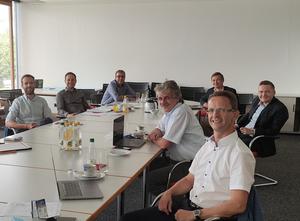Obrázek: Zástupci českých a durynských společností spolu s VUT Brno a Technickou univerzitou v Ilmenau analyzovali na workshopu řadu možností, jak lze snížit bariéry vstupu pro společnosti, které se chtějí účastnit výrobních sítí.